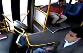 Adana'da yolcu otobüs şoförü'nü tehdit etti