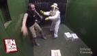 Asansörde korkunç arı şakası