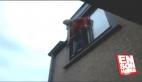 Camdan trambolin üzerine atlama eğlencesi kötü bitti
