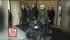 Putin askeri savaş robotunu inceledi