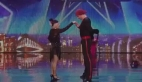Yaşlı kadından mükemmel dans shov