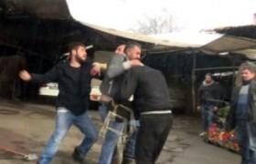 Alkollü şahıslar tekmeli yumruklu kavga çıkardı